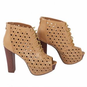 Pantofi cu toc cod JB203 Camel