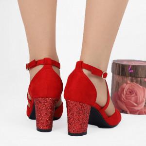Pantofi cu toc cod NA46 Roși - Pantofi cu toc din piele ecologică întoarsă cu închidere prin baretă   Fii în pas cu moda şi străluceşte la următoarea petrecere. - Deppo.ro