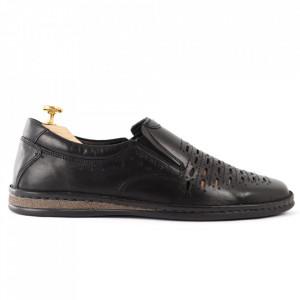 Pantofi din piele naturală Cod 170170 Negrii - Pantofi din piele naturală  Model perforat , tălpicmoale ce conferă comoditatea de care ai nevoie! Finisaje îngrijite cu un design deosebit - Deppo.ro