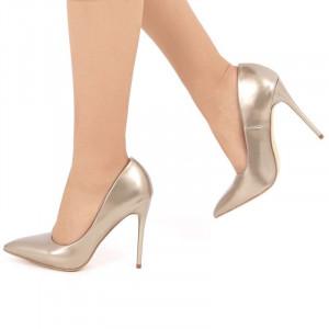 Pantofi Lauren Aurii - Cumpără îmbrăcăminte și încălțăminte de calitate cu un stil aparte mereu în ton cu moda, prețuri accesibile și reduceri reale, transport în toată țara cu plata la ramburs - Deppo.ro