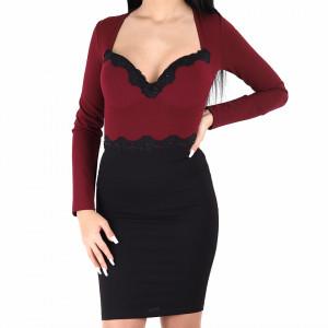 Rochie Noriela Roșie - Rochie roșie cu negru elegantă cu un decolteu generos, pune-ți silueta în evidență și atrage toate privirile - Deppo.ro