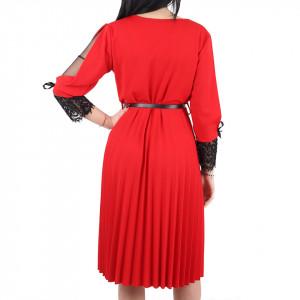 Rochie Penelope Red - Rochie roşie elegantă plisată, maneci trei sfert cu plasă neagră dantelată, croiului îți asigura libertatea de mișcare. - Deppo.ro