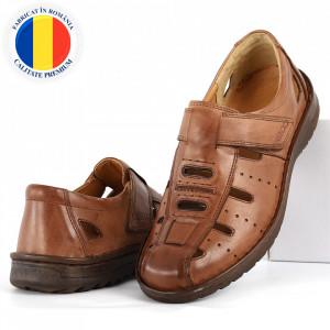 Sandale pentru bărbaţi cod B700 Maro