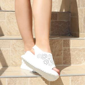 Sandale pentru dame din piele naturală cod PL2014 White - Sandale pentru damă din piele naturală  Închidere prin scai lateral,  Talpă spate 3,5 cm Talpă față 2 cm  Calapod comod - Deppo.ro