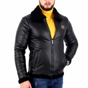 Geacă Klein Black - Geacă lungă stilată de iarnă pentru bărbaţi din piele ecologică și interior îmblănit, prevăzută cu guler îmblănit, în partea din faţă jacheta este prevăzută cu un fermoar lung rezistent - Deppo.ro