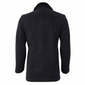 Palton Marvin - Palton pentru bărbați cu o croială cambrată, închidere cu două rânduri de fermoar, pe interior paltonul este prevăzut cu căptuşeală satinată, un buzunar în interior şi două buzunare laterale. Compoziţie: 70% lână şi 30% polyester - Deppo.ro