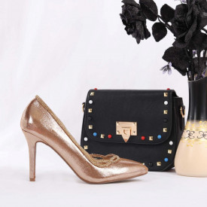 Pantofi Cu Toc cod CL42 Champagne - Pantofi cu toc din piele ecologică cu un design unic. Fii în pas cu moda şi străluceşte la următoarea petrecere. - Deppo.ro