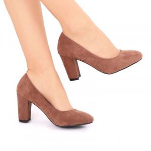 Pantofi cu toc cod EK0005 Maro - Pantofi din piele ecologică de înalta calitate cu vârf rotund şi toc gros - Deppo.ro