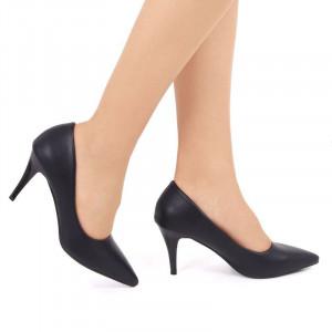 Pantofi cu toc cod EK0030 Negri - Pantofi din piele ecologică de înaltă calitate cu tocul subţire de 8 cm şi vârf ascuţit - Deppo.ro