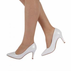Pantofi cu toc cod W75 Arginti - Pantofi cu toc ascuțit din piele ecologică cu un design unic . Fi in pas cu moda si străluceste la urmatoarea petrecere. - Deppo.ro