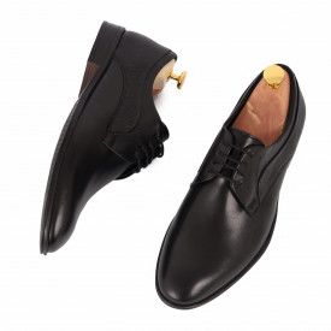 Pantofi din piele naturală Archie Negru - Pantofi din piele naturală, model simplu, finisaje îngrijite cu undesign deosebit prin vârful perforat - Deppo.ro