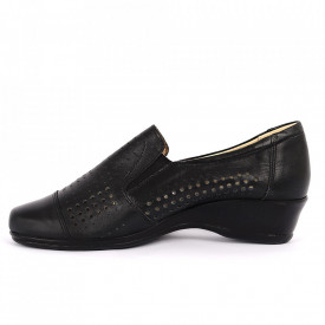 Pantofi din piele naturală Cod 14453 - Pantofi damă din piele naturală  Foarte confortabili cu un tălpic special care conferă lejeritate chiar și în cazurile în care petreci mult timp stând în picioare. - Deppo.ro