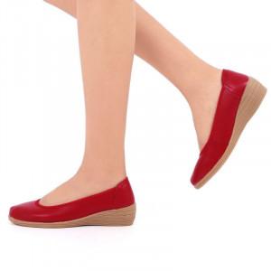 Pantofi din piele naturală cod 2111 Roşi - Pantofi roşii pentru dame din piele naturală cu talpă flexibilă - Deppo.ro
