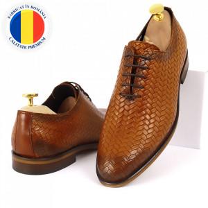 Pantofi din piele naturală pentru bărbați cod 2012 Maro