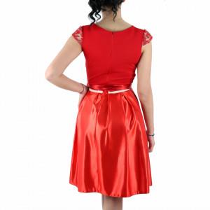 Rochie Anela Red - Rochie roşie deasupra genunchilor, lejeră cu un design floralși material tip dantelat peste bust - Deppo.ro