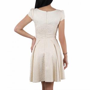 Rochie Nadia Gold - Rochie scurtă lejeră şi elegantă, pe corp, simte-te atrăgătoare purtând această rochie și atrage toate privirile la urmatoarea petrecere. - Deppo.ro