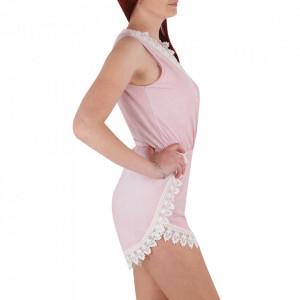 Salopeta cod SPP5 Pink - Salopetă pentru dame Model cu decolteu in V Model decorativ cu dantelă - Deppo.ro