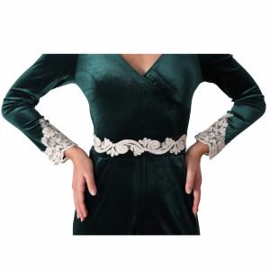 Salopeta Elizabeth Green - Salopetă verde din material tip catifea, ușor elastică cu decor floral dantelat - Deppo.ro
