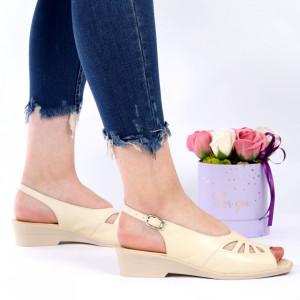 Sandale pentru dame din piele naturală cod 023 Bej - Sandale pentru dama din piele naturală  Închidere prin baretă  Calapod comod - Deppo.ro
