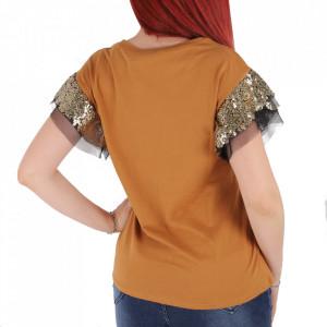 Tricou pentru dame cod F202 Brown - Tricou pentru dame  Model decorativ cu paiete  Conferă lejeritate și o ținută casual - Deppo.ro