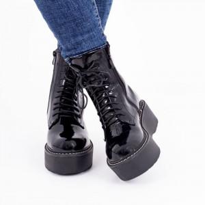 Ghete pentru dame cod BL0081 Negre - Ghete maroon cu platformă, din piele ecologică lăcuită cu închidere cu șiret și fermoar - Deppo.ro