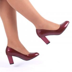 Pantofi cu toc cod C83 Bordo - Pantofi cu vârf rotund şi toc gros din piele ecologică lăcuită, foarte confortabili cu un calapod comod - Deppo.ro