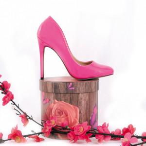 Pantofi cu toc cod CP5230 Fuchsia - Pantofi cu toc din piele ecologică cu un design unic. Fii în pas cu moda şi străluceşte la următoarea petrecere. - Deppo.ro