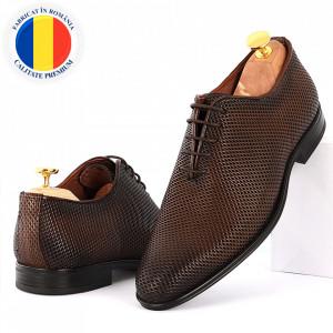 Pantofi din piele naturală pentru bărbați cod 9144 Maro