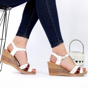 Sandale pentru dame din piele naturală cod 8557 White