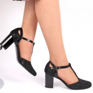 Pantofi cu toc din piele naturală cu închidere prin baretă Cod 223 Negri