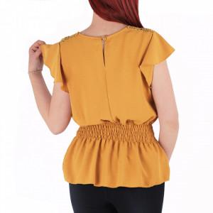 Bluză tip cămășuță pentru dame cod BP98 Muștariu - Bluză pentru dame  Model decorativ cu dantelă  Închidere prin nasture - Deppo.ro