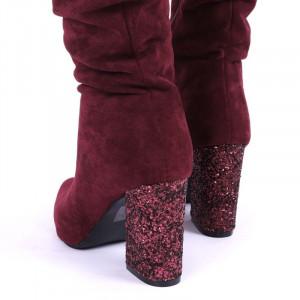 Cizme cod EK0018 Roși - Cizme negre din piele ecologică întoarsă, model adunate pe picior cu închidere cu fermoar - Deppo.ro