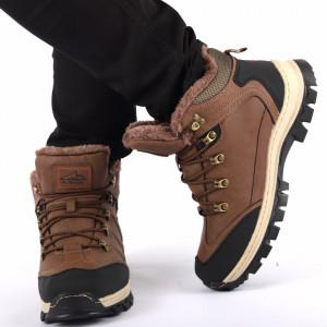 Ghete pentru bărbați cod ARM974D11 Brown - Ghete din piele ecologică cu inserții de material textil și cauciuc, foarte confortabili cu un calapod comod și interior îmblănit - Deppo.ro