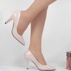 Pantofi Cu Toc Bej Cod 9008 - Pantofi cu toc din piele ecologică lăcuită  Fii în pas cu moda şi străluceşte la următoarea petrecere. - Deppo.ro