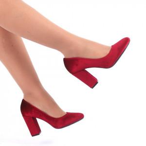 Pantofi Cu Toc Camelia Wine Red - Pantofi cu vârf rotund din piele ecologică întoarsă, foarte confortabili cu un calapod comod - Deppo.ro