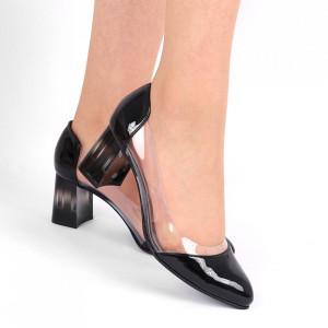 Pantofi cu toc din piele naturală Cod 1220 Negri - Pantofi cu toc din piele naturală moale cu imprimeu discret de piele de șarpe  Foarte comozi, acești pantofi vă conferă lejeritate și eleganță - Deppo.ro