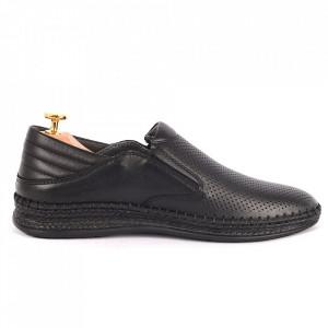 Pantofi din piele naturală cod 85039 Negri - Pantofi din piele naturală pentru bărbați, model simplu, finisaje îngrijite cu undesign deosebit și branț confortabil din gel - Deppo.ro