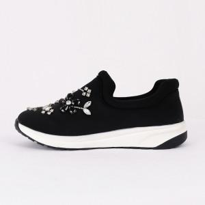 Pantofi Sport Laura Cod 446 - Pantofi sport din piele ecologică întoarsă  Model înflorat din ștrasuri  Foarte comfortabili - Deppo.ro