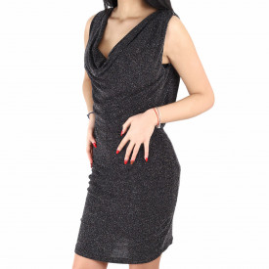 Rochie Cassie Black - Rochie elegantă stralucitoare decorata cu ștrasuri cameleon, pune-ți silueta în evidență și atrage toate privirile, rochie conică, din material elastic cu fir lurex, cu spatele gol, fronseul din talie îți pune în valoare formele, iar aspectul asimetric petrecut de la baza rochiei aduce un aer inedit ținutei. - Deppo.ro