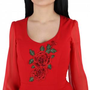 Rochie Elizabeth Red - Rochie casual cu decor floral, pentru o ținută lejeră datorita croiului. Cu un decolteu in U șicroiul lejer iti asigura libertatea de miscare. - Deppo.ro