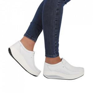 Pantofi din piele naturală cod A2252 Albi