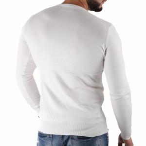 Bluză Felix White - Bluza simplă este cel mai versatil articol vestimentar din sezonul rece, o piesă cu reputaţie a stilului casual având compoziţia 50% Viscoză 28% PPTşi 22% Elastan - Deppo.ro