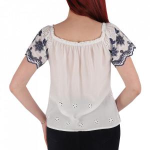 Bluză pentru dame tip iie cod YY8 White - Bluză pentru dame  Model înflorat  Conferă lejeritate și o ținută casual - Deppo.ro