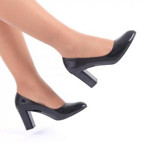 Pantofi cu toc cod C12 Negri - Pantofi cu vârf rotund şi toc gros din piele ecologică lăcuită, foarte confortabili cu un calapod comod - Deppo.ro