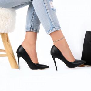 Pantofi Cu Toc Nayeli Black - Pantofi cu toc din piele ecologică cu un design unic. Fii în pas cu moda şi străluceşte la următoarea petrecere. - Deppo.ro