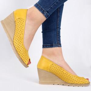 Pantofi din piele naturală cod 55672 Yellow