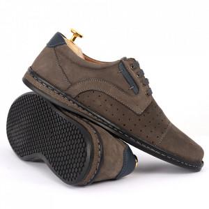 Pantofi din piele naturală Cod 640 Gri - Pantofi din piele naturală tip catifea  Model perforat , tălpicmoale ce conferă comoditatea de care ai nevoie! Finisaje îngrijite cu un design deosebit - Deppo.ro