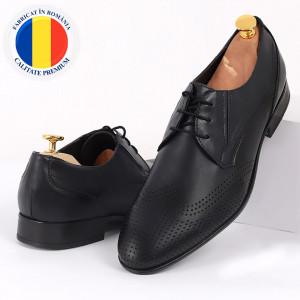 Pantofi din piele naturală negri cod 3290