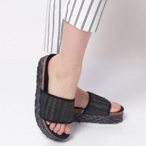 Papuci Damă din piele ecologica cod AG007 Black