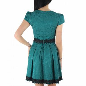 Rochie Felicity Verde - Rochie verde casual cu mânecă scurtă, aspectul asimetric petrecut de la baza rochiei aduce un aer inedit ținutei. - Deppo.ro